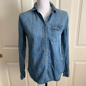 UO BDG Chambray Denim Shirt Burton Front Blue S